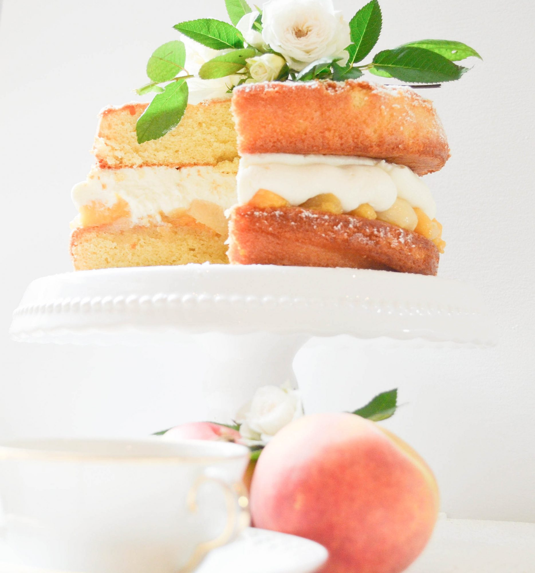 peach victoria sponge cake mascapone peche sirop