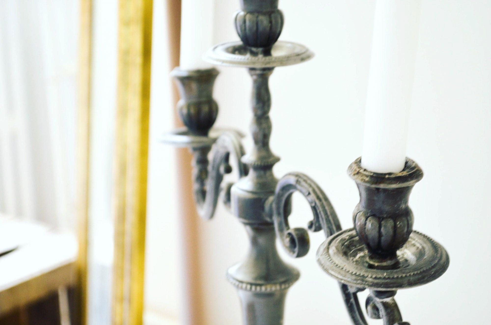 chandelier bal de versailles party
