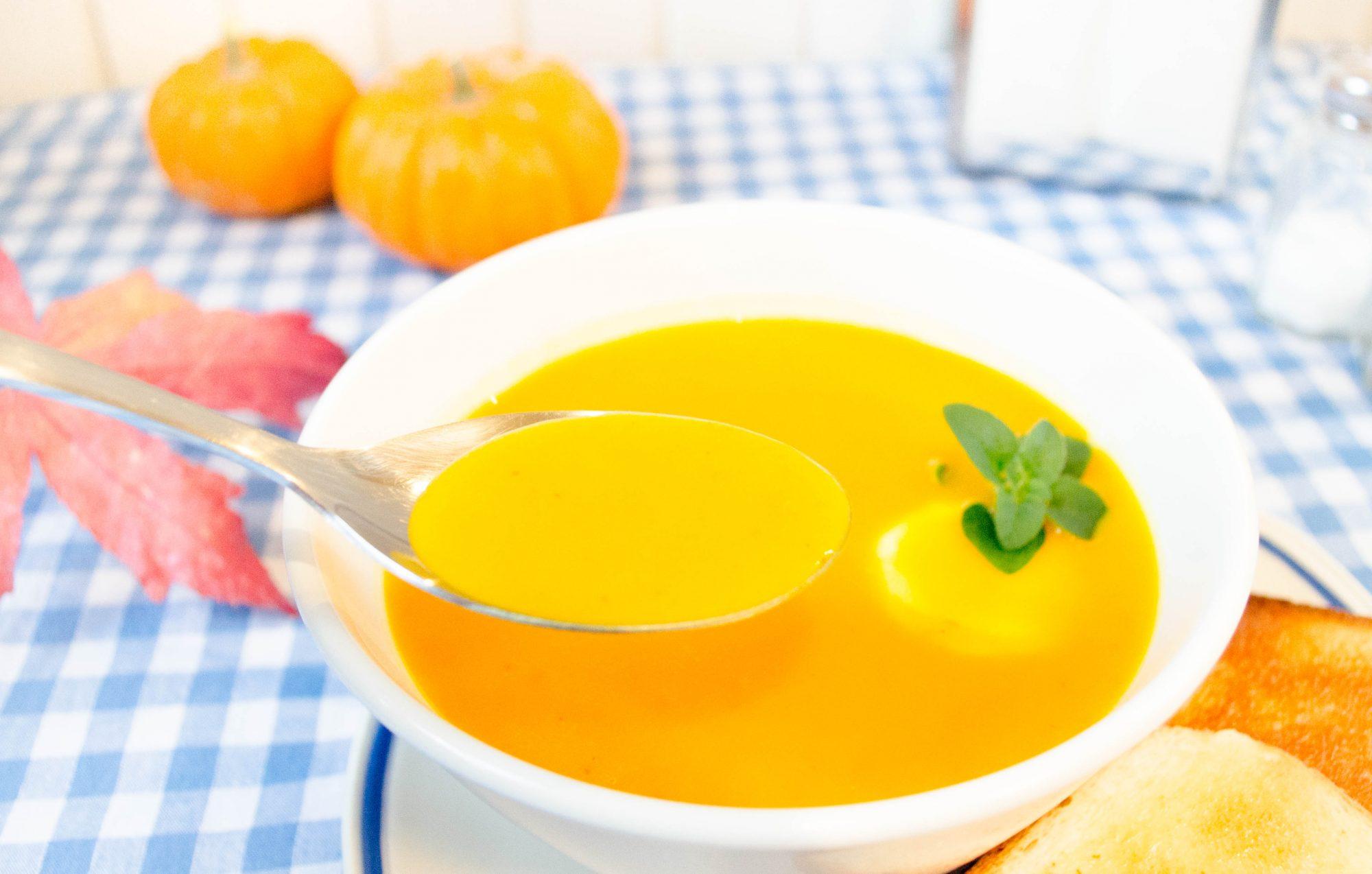 soupe-potimarron-patate-douce-chevre-frais-recette-automne-noix-de-muscade