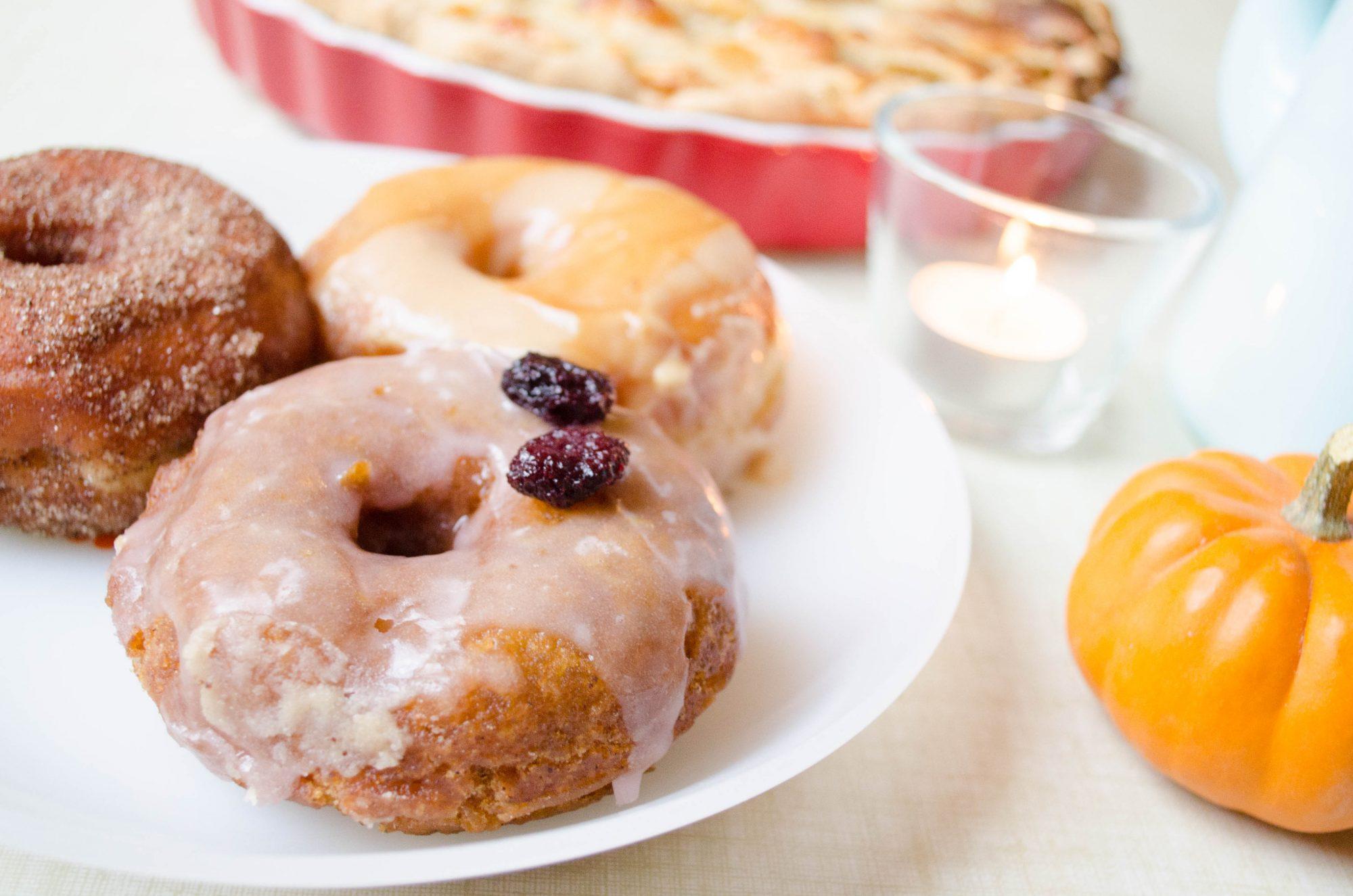 boneshaker-doughnuts-enamel-tarte-aux-pommes-gilmore-girls